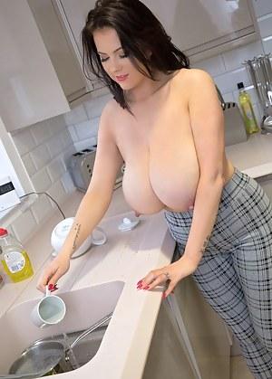 Tits Kitchen